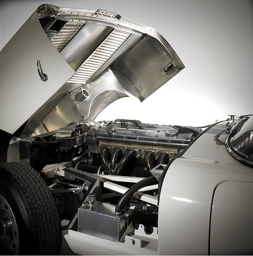West Riding Lightweight E-Type Roadster engine